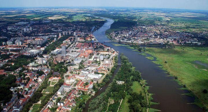 01_Luftbild_Frankfurt_oder_Slubice_09072011.jpg